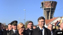 Kolinda Grabar Kitarović i Andrej Plenković u Vukovaru (arhivska fotografija)