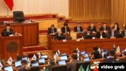 Қырғызстан үкіметі мүшелері. Бішкек, 4 қараша 2015 жыл.