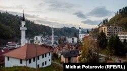 Veliki broj ljudi napustio je Srebrenicu