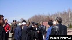 Чаллыда урыс телен яклап узган митинг, 30 апрель 2011 ел