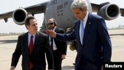 وزیر پیشین خارخه امریکا با ستوارت جونس