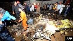 Aeroplani i rrëzuar në Pakistan, 20 prill 2012.