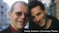 Василий Арканов со своим отцом Аркадием Аркановым