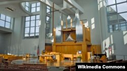 "Pennsylvania-dakı ""Episcopal Academy"", kapella. Memar - akademiyanın keçmiş məzunu Robert Venturi."