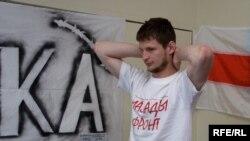 Яўген Скрабец у часе галадоўкі салідарнасьці, 6 траўня 2009 году