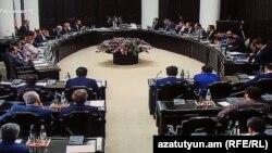 Одно из заседаний правительства Армении (архив)