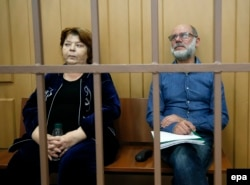 Malobrodsky (right) and Seventh Studio bookkeeper Nina Maslyayeva at a court hearing in Moscow on July 17.