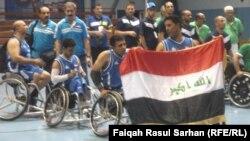 """فريق """"وسام المجد"""" العراقي اثناء تتويجه بطلاً لبطولة السلة الاسيوية الافريقية للمعاقين في عمّان."""