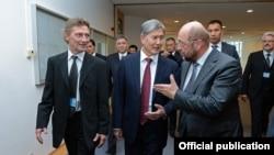 Президент КР Атамбаев с председателем Европейского парламента Щульцем, Брюссель