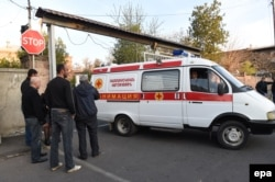 Получивших ранения армянских солдат везут в Ереван. 2 апреля