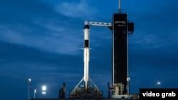 Spațiul, ultima frontieră... Space X și NASA lansează o rachetă cu echipaj uman către ISS