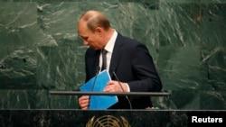 Президент России Владимир Путин во время выступления на Генеральной ассамблее ООН, 28 сентября 2015 года
