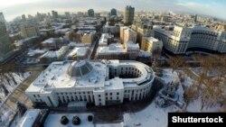 Будівлі Верховної Ради і Кабінету міністрів України із висоти пташиного польоту в зимовий період