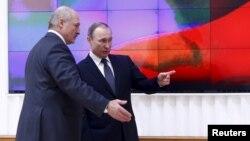 Аляксандар Лукашэнка і Ўладзімер Пуцін, архіўнае фота