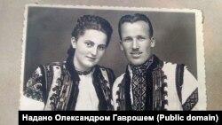 Розстріляний у 1949 році брат Андрій Грицак, директор місцевої школи, з дружиною