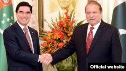 Türkmenistanyň prezidenti Gurbanguly Berdimuhamedow we Pakistanyň premýer-ministri Nawaz Şarif.