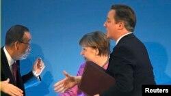 Пан Ги Мун, Ангела Меркель и Дэвид Кэмерон на конференции доноров Сирии