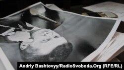 Марафон «Віктор Янукович. Два роки умовно» провели за ґратами… у театрі