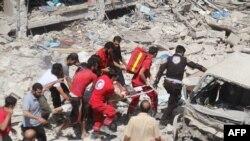 После очередной бомбёжки (Идлиб, 17 августа 2016 года)
