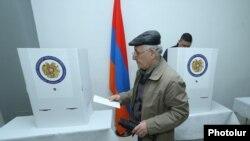 Избирательный участок в Армении, 2 апреля 2017