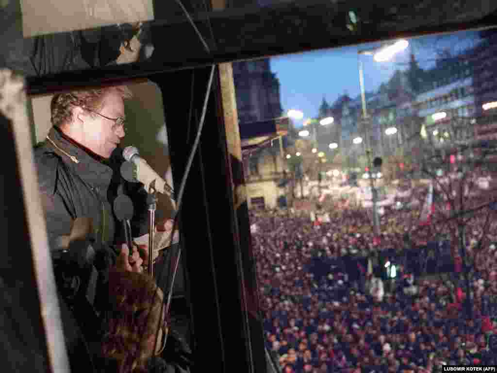 On November 24, the crowds had grown to 300,000. Vaclav Havel, a dissident playwright and former political prisoner, addressed the massive crowd from a balcony overlooking Wenceslas Square.