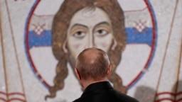Vladimir Putin tokom posete Hramu Svetog Save u Beogradu