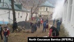 Субботник в селе Корода Гунибского района Дагестана