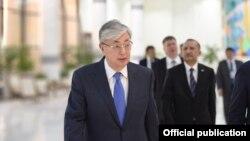 Касым-Жомарт Токаев прибыл в Узбекистан с государственным визитом вечером 14 апреля.