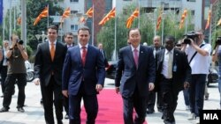 Средба на претседателот на Владата на Република Македонија Никола Груевски со генералниот секретар на ОН Бан Ки-мун Скопје, Македонија