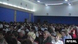 Участники и гости конференции неправительственных организаций. Актобе, 21 августа 2009 года.
