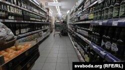 Belarus – Alcohol on store shelves, Minsk, 25Oct2012
