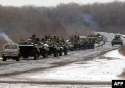 Колона українських військових біля Артемівська, 10 лютого 2015 року