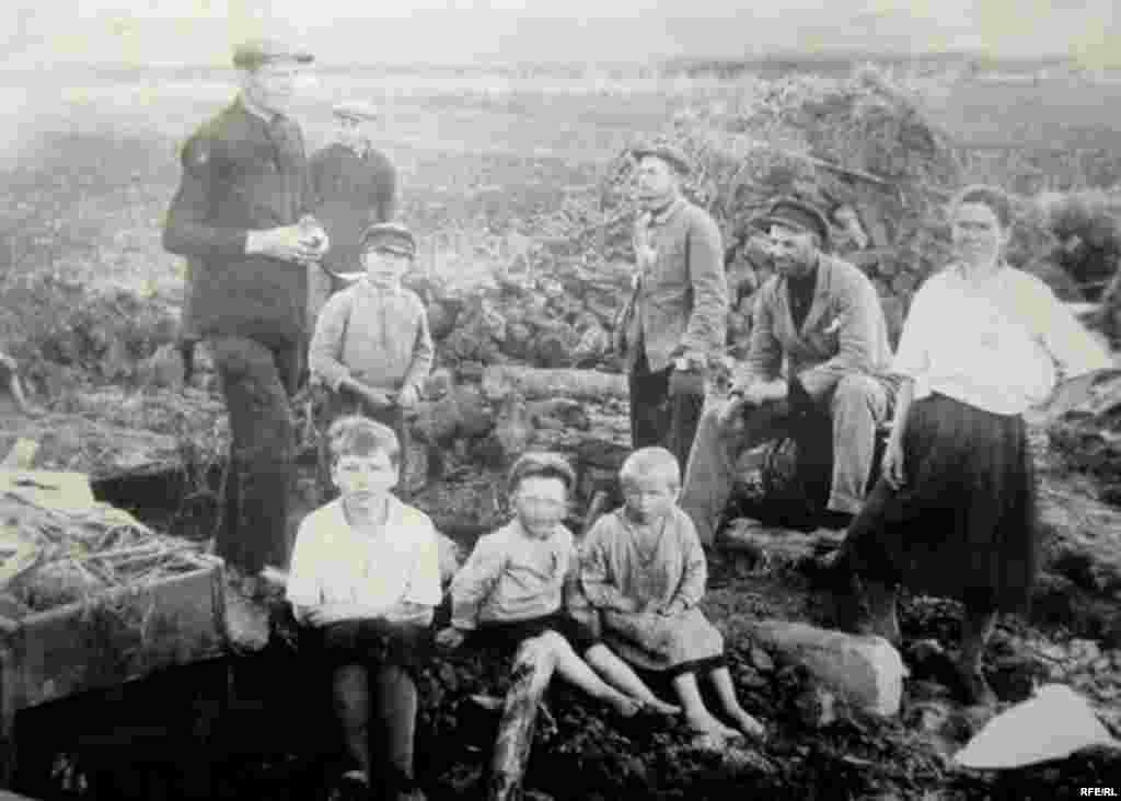 Holodomor: Famine In Ukraine, 1932-33 #9