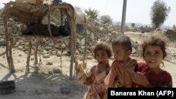 د بلوچستان زلزله ځپلي ماشومان