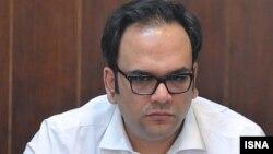 محمد امامی، تهیهکننده سینما از مهر ۱۳۹۵ به اتهام فساد مالی در بازداشت است