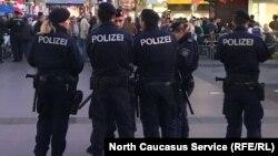 Австрийские полицейские, архивное фото