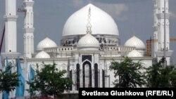 Мечеть в Астане.
