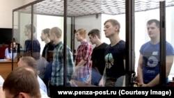"""Обвиняемые по делу сообщества """"Сеть"""" в пензенском суде. Фотография предоставлена для публикации сайтом www.penza-post.ru"""