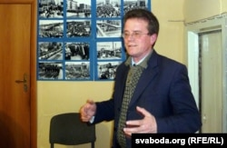 Васіль Леўчанкаў падчас публічнай дыскусіі пра блякаду чыгункі