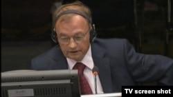 Manojlo Milovanović tokom svjedočenja 19.9.2013.