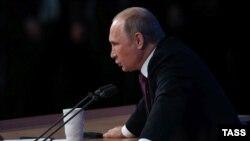 Русия президенты Владимир Путин матбугат очрашуында. 18 декабрь 2014
