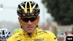U.S. cyclist Lance Armstrong at the start of the 21st stage of the 2005 Tour de France