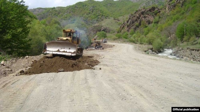 The construction in Kelbajar of a new highway connecting Nagorno-Karabakh to Armenia, 5May2014. (Photo courtesy of the All-Armenian Fund Hayastan.)