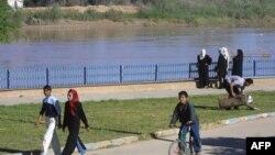 نمایی از رود کارون در شهر اهواز