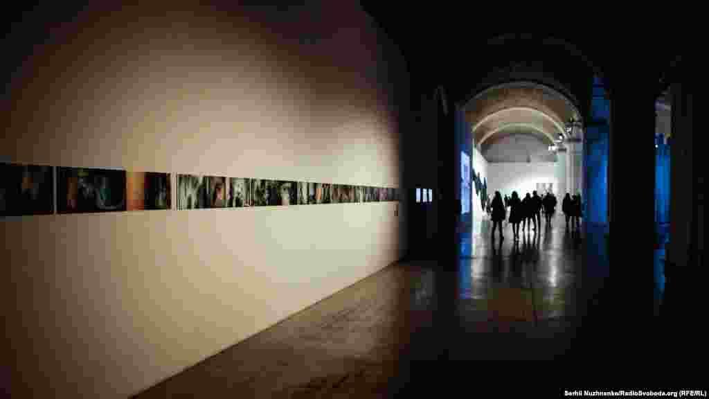 Галереї «Мистецького арсеналу» під час виставки «Горизонт подій»