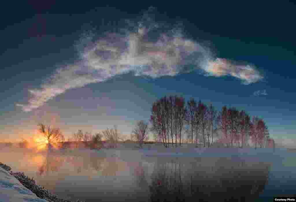 9:38:43 - 9:39:07. Дүрт фотоны берләштереп ясалган панорама күренеше.