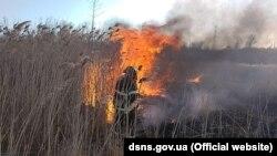 У ДСНС попередили, що найближчими днями нинішній рівень пожежної небезпеки збережеться