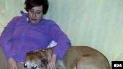 Իսպանիա - Բուժքույր Թերեզա Ռոմերո Ռամոսը շան հետ, արխիվ