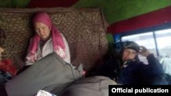 Апрелде кармалган мигранттар. Челябинск облусунун жол кайгуулуна таандык сүрөт.
