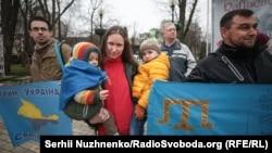 Акція солідарності з українським Кримом, приурочена до 206-ї річниці від дня народження Тараса Шевченка